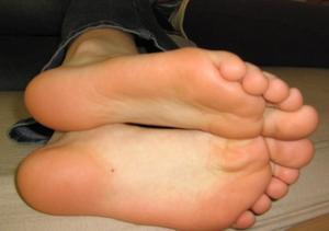 Teen-Feet-Selfshot-37fae4mxsm.jpg